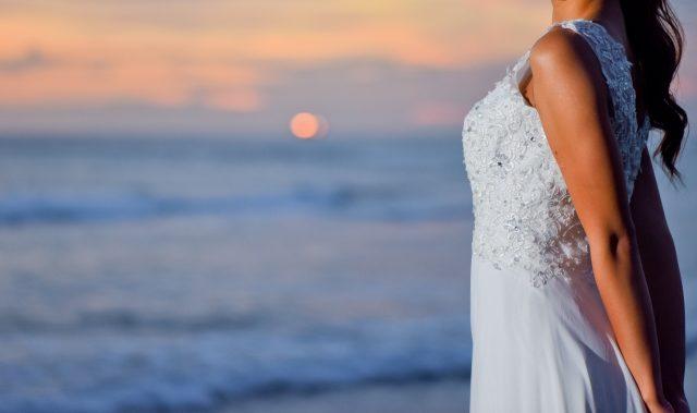 写真:海辺ドレス